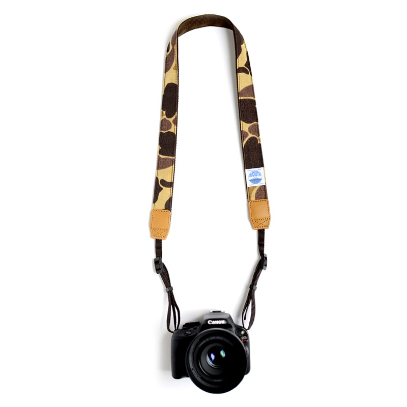 <取扱店舗限定> 30mm Delicious Camera Strap CORDURA (DUCK CAMO)
