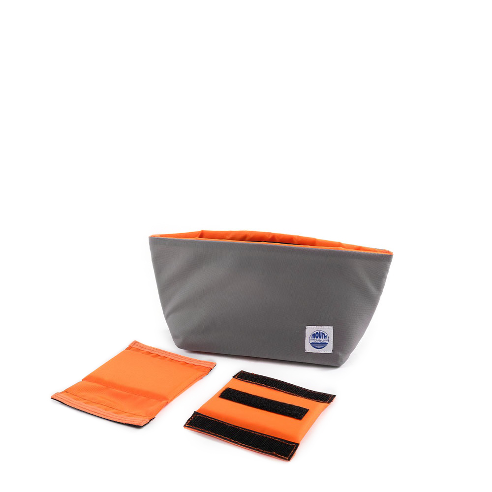 Delicious Case Mini (CHARCOAL/ORANGE)